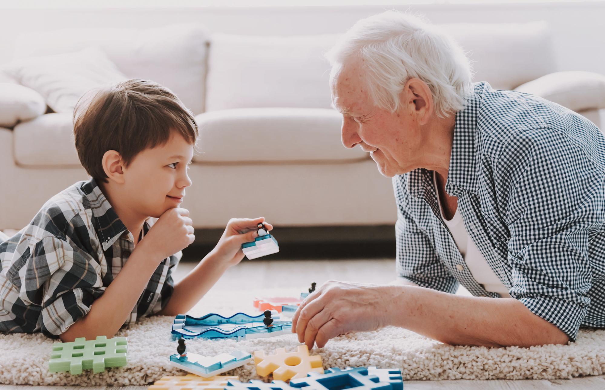 grandpa play with kid